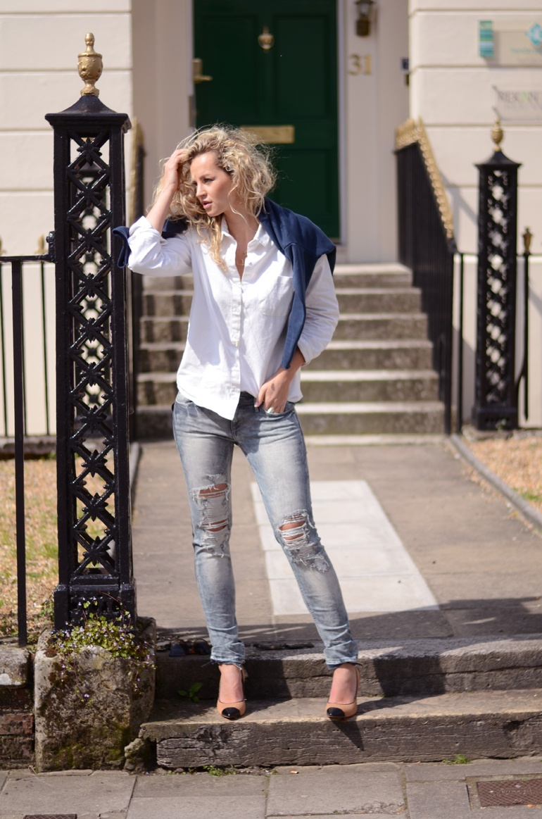 Anouk Yve Is Wearing Ripped Jeans From H&M, Shoes From Reiss, Boyfriend's Shirt And Jumper From Wood Wood
