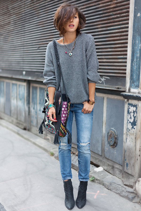 Zoe Jonak is wearing grey knit from American Apparel, jeans from Zara, bag from Antik Batik and the boots are from Acne
