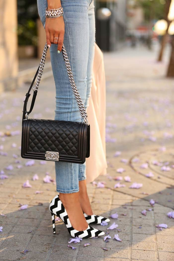 Viva Luxury Is Wearing Ankle Jean Legging By Express, Chevron Pattern Shoes From Schutz Gilberta And Boy Flap Bag By Chanel