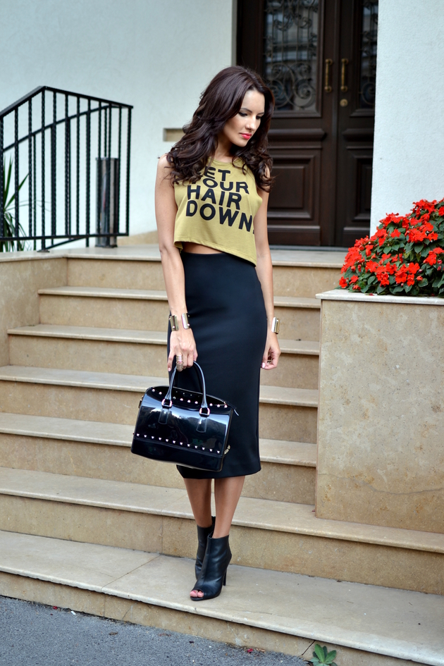 My Silk Fairytale Is Wearing Crop Top From Bershka, Skirt From H&M, Ankle Boots From Mango And Handbag From Furla Candy