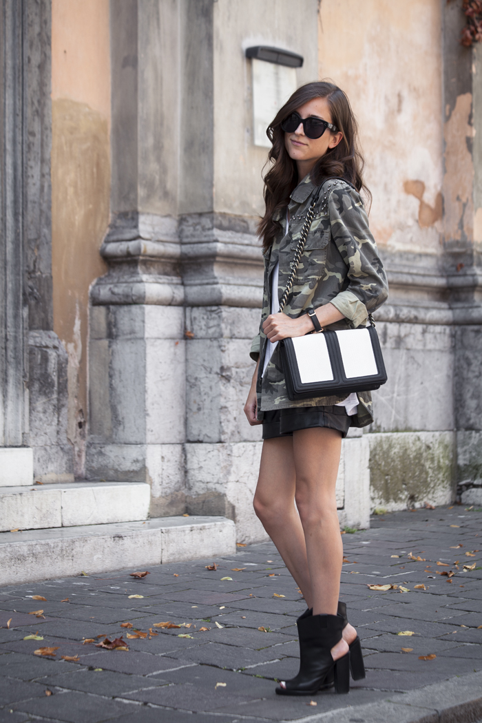 Tesa Jurjaševič is wearing a camo jacket and shoes from Zara, bag from H&M and sunglasses from Celine