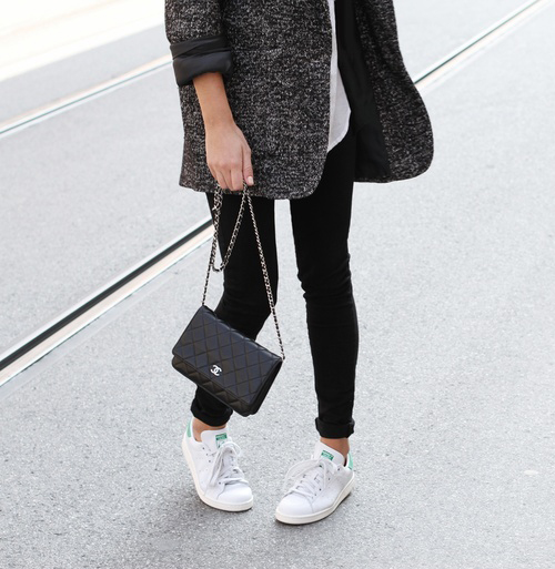 Mija is wearing a jeans from Dr. Denim, shoes are Stan Smith from Adidas, bag is from Chanel, white boyfriend shirt and coat from Nili Lotan