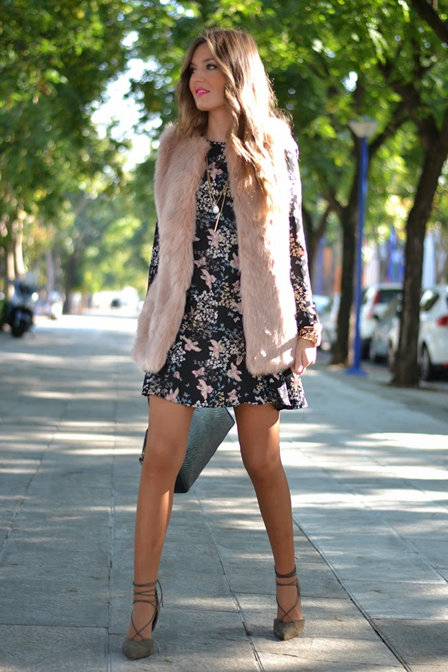 e70ef9073895 Helena Cueva Ramos is wearing a pink faux fur vest from Zara