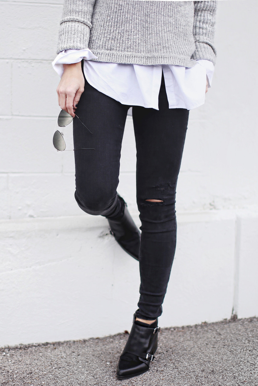 Black distressed knee skinny jeans
