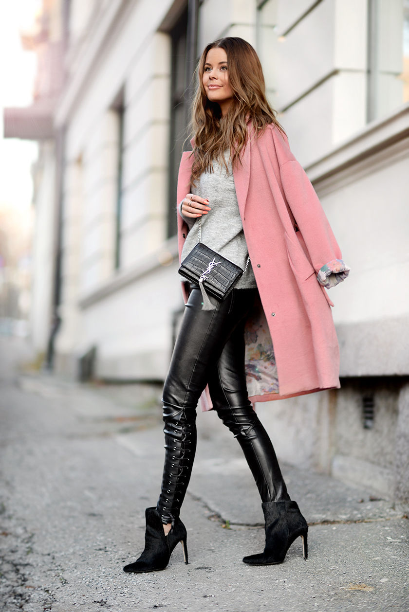 Christmas dress ideas for girls - Seeing A Lot Of Colorful Coats Outfits And Ideas Just The Design