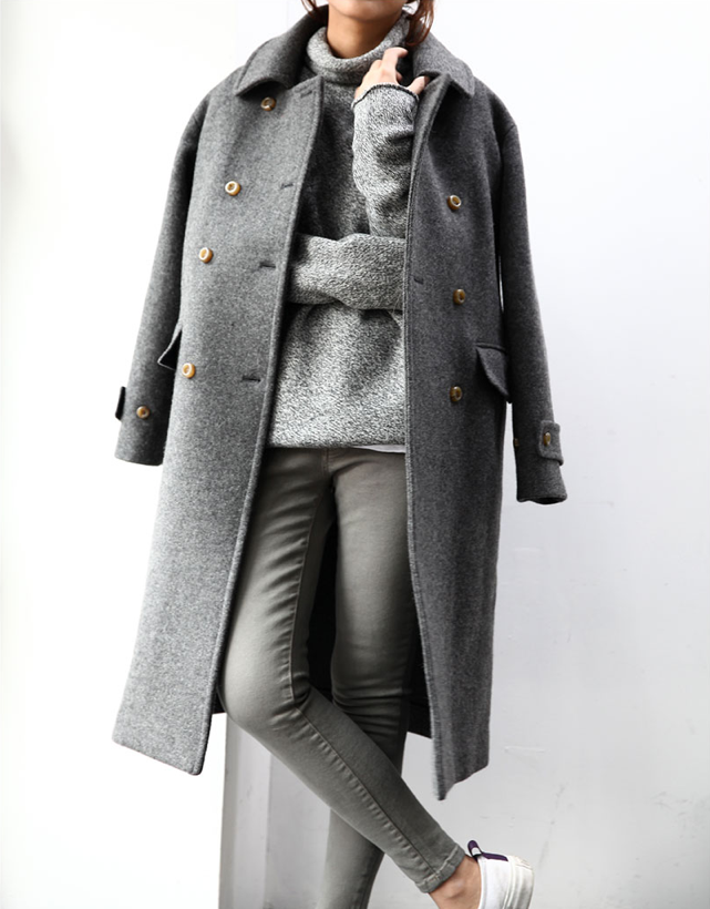 Grey coat and jeans via unknown fashion blogger