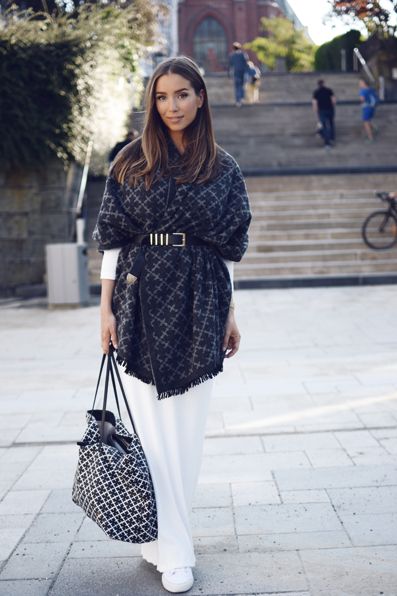2019 year looks- How to oversized an wear knit scarf