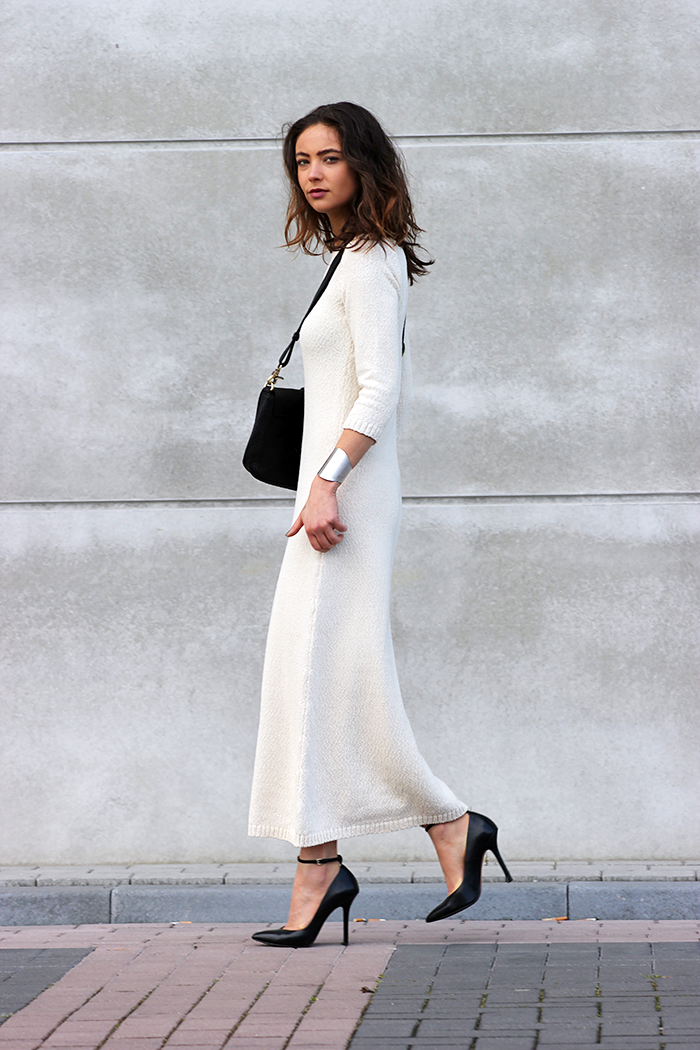 Black And White Fashion Trend: Annemiek Kessels is wearing a white maxi dress and heels from Zara