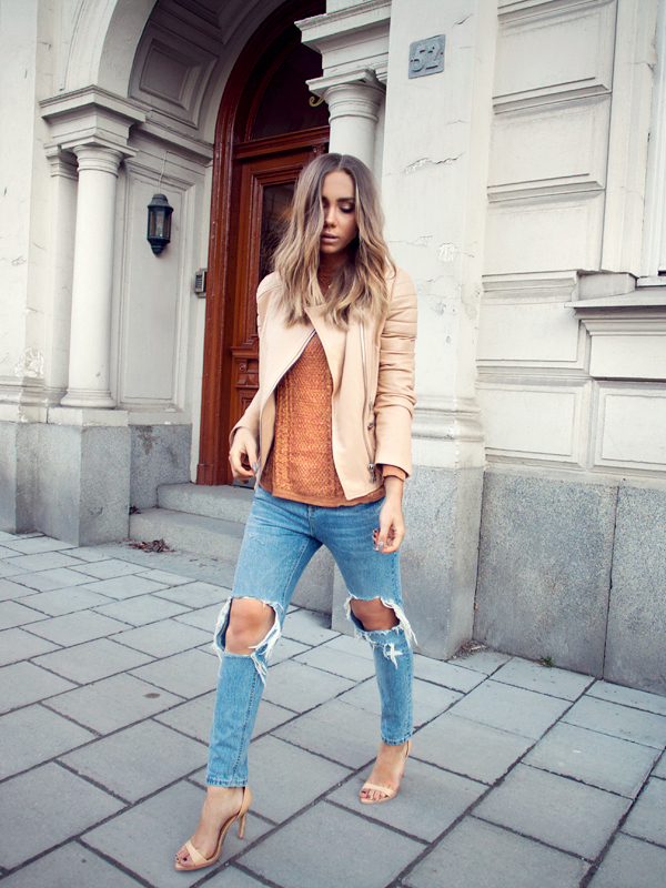 Street Style March 2015: Lisa Olsson is wearing ripped jeans from Chicy, terracotta coloured top from Zara and the tan leather jacket is from LXLS