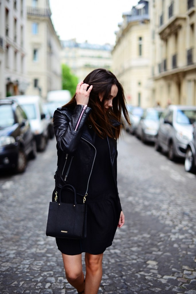 Whoever said the colour black couldn't be summery? This little black dress looks great worn with a cute and stylish leather jacket and a cross body bag. Via Carolina Oscik. Jacket/Dress: Mango, Shoes: Sarenza, Bag: Rebecca Minkoff.