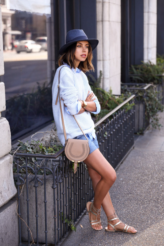 Street Style, April 2015: Annabelle Fleur is wearing a Gap soft cotton jumper with a pair of Banana Republic shorts and a pair of metallic Asos sandals