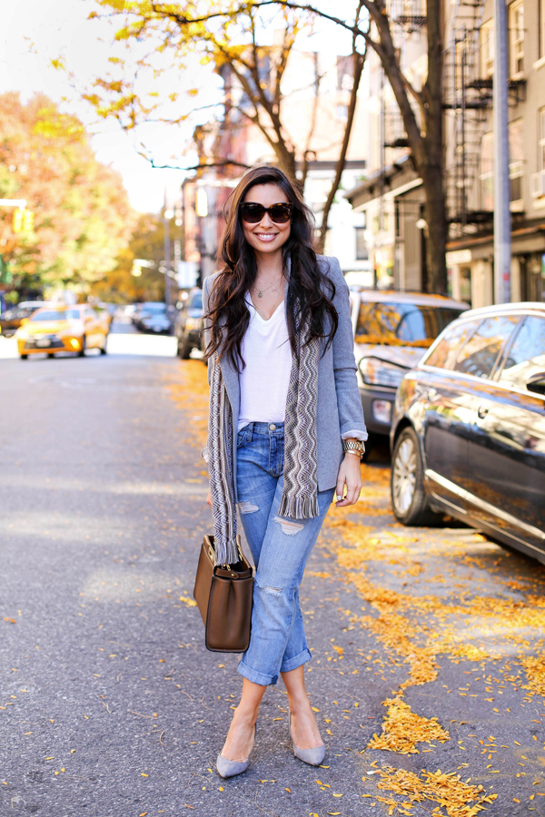designer fashion 69561 ef1d0 Style your grey blazer and jeans like Kat Tanita by wearing the two with a  plain