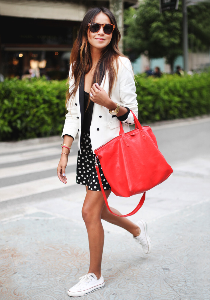 635471fcb13f What to wear with white Converse  You can wear your white Converse as part  of