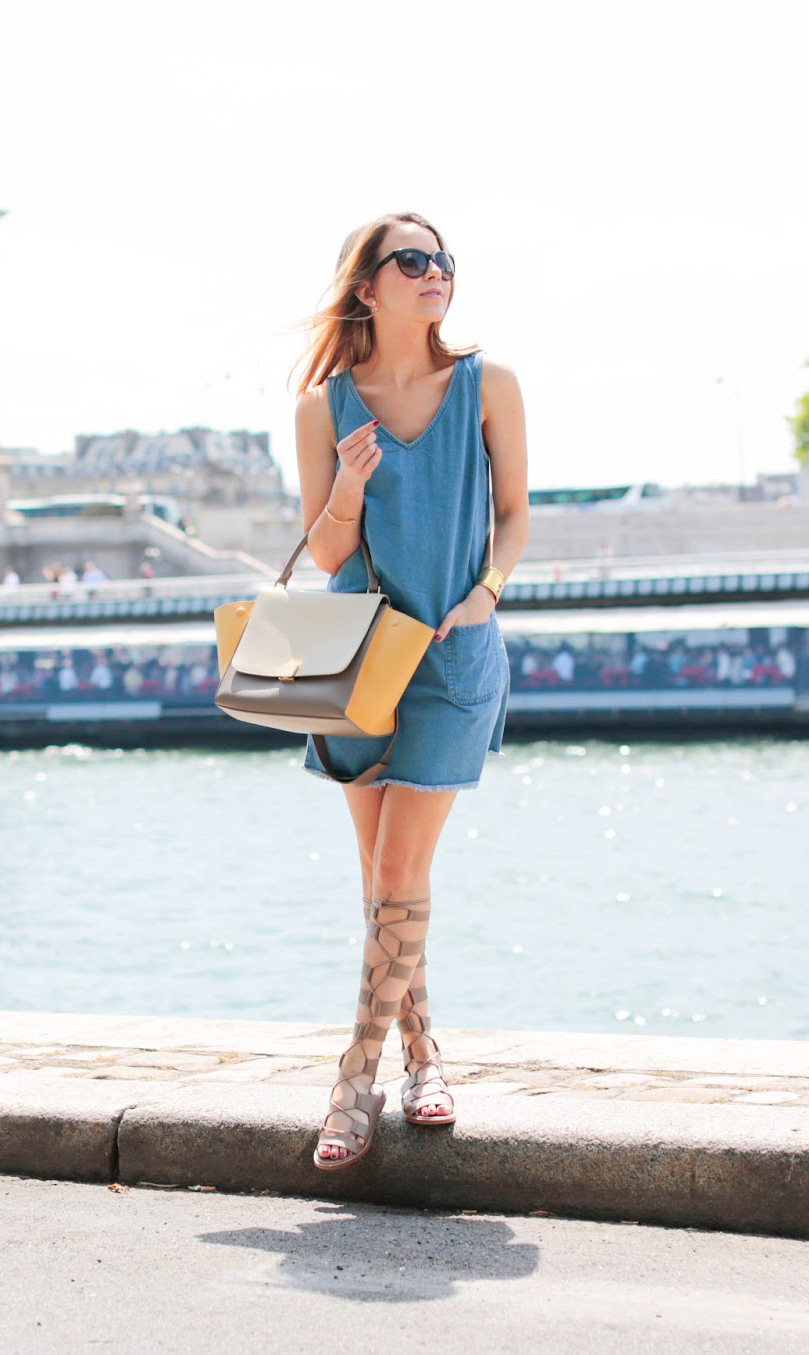 Wear a simple denim dress and gladiators. Sometimes is just have to be easy. Via Caroline Louis Dress: Robe : New Look, Gladiator Sandals: Zara, Bag: Céline. Summer Outfit