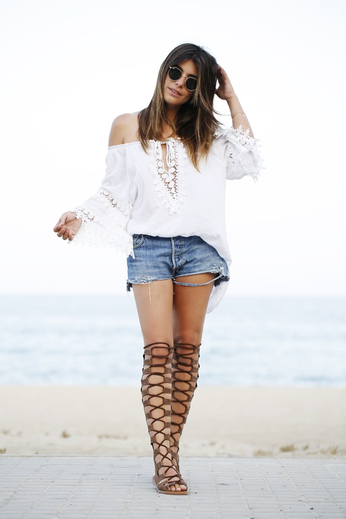 25 Outfits That Will Show You How To Wear And Style The Gladiator ...