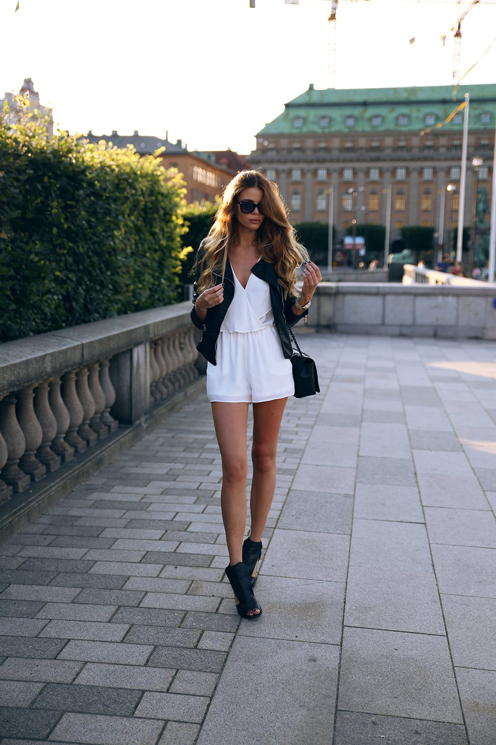 What Shoes To Wear With Playsuit