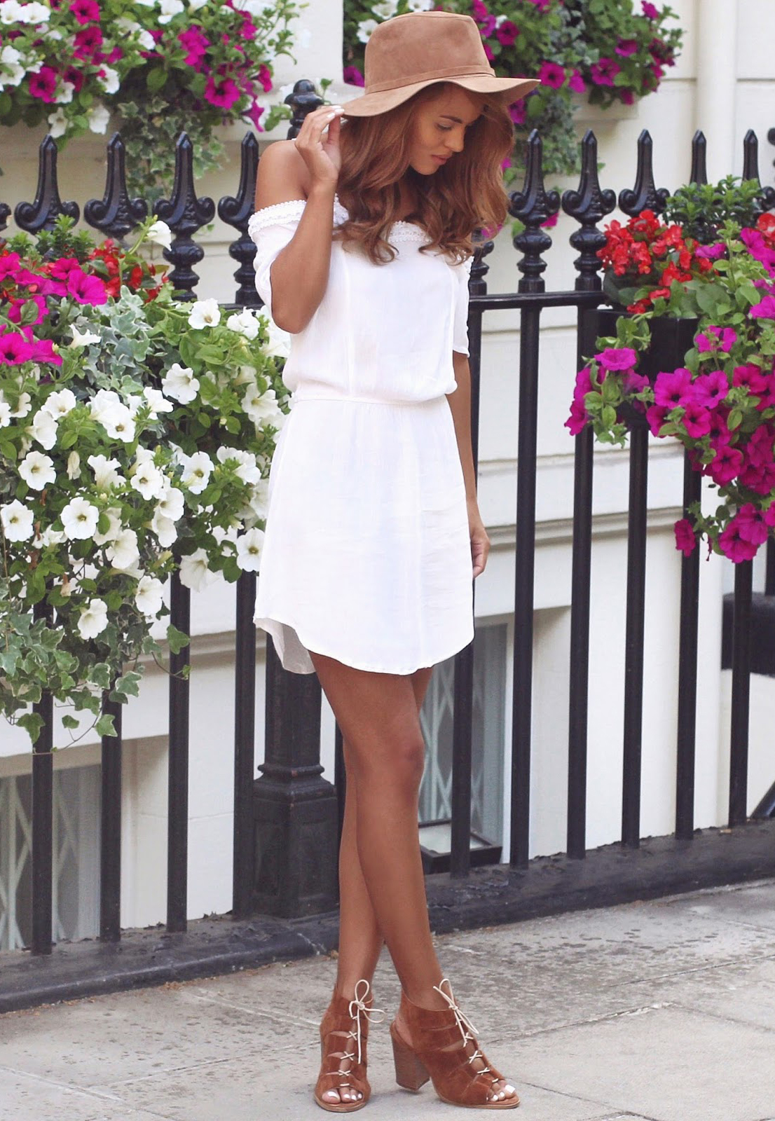 b83493e2e2c4 This cute little white off-the-shoulder boho dress with a fedora and lace