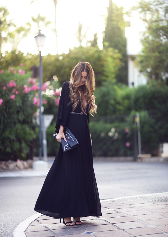 Keeping it simple and sophisticated in all-black maxi dress, clutch and shoes. Via Annette Haga Dress: H&M, Clutch: Balenciaga, Shoes: Steve Madden. How To Wear A Maxi Dress