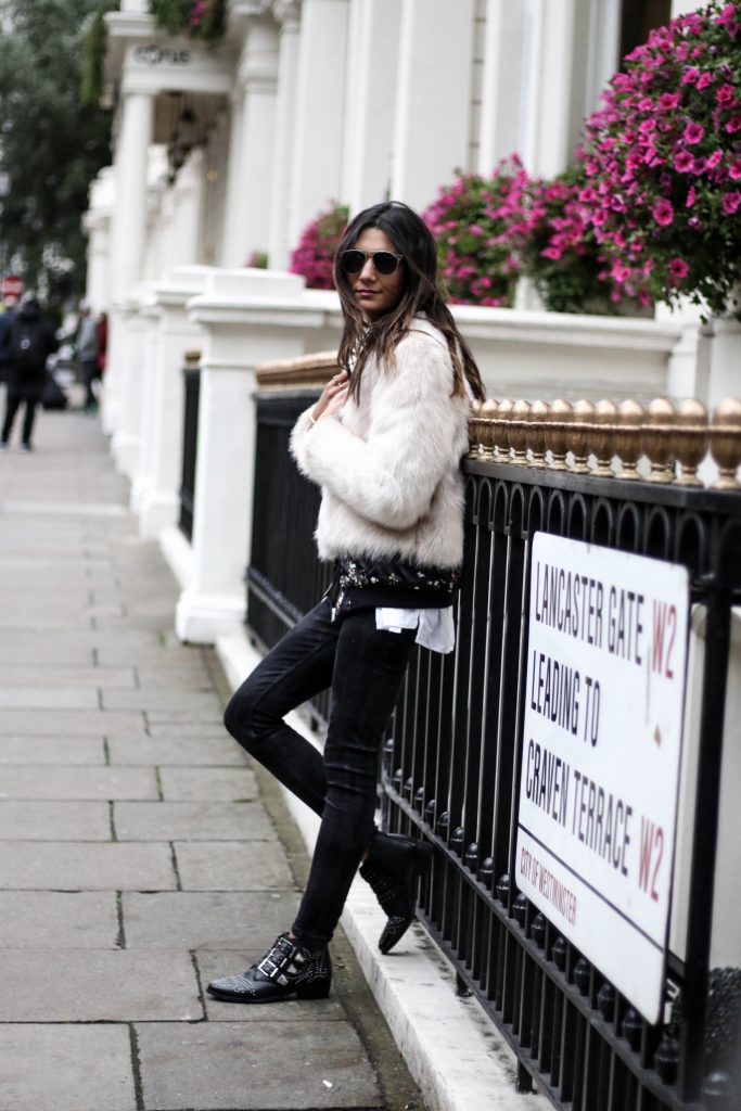 Federica L. is debuting a classic rocker girl style here, in a cropped fur jacket which simply oozes edge and glamour! Wear a piece like this with black jeans and leather boots to capture this awesome style. Jacket: H&M, Shirt: Jennyfer, Shoes: Bronx.
