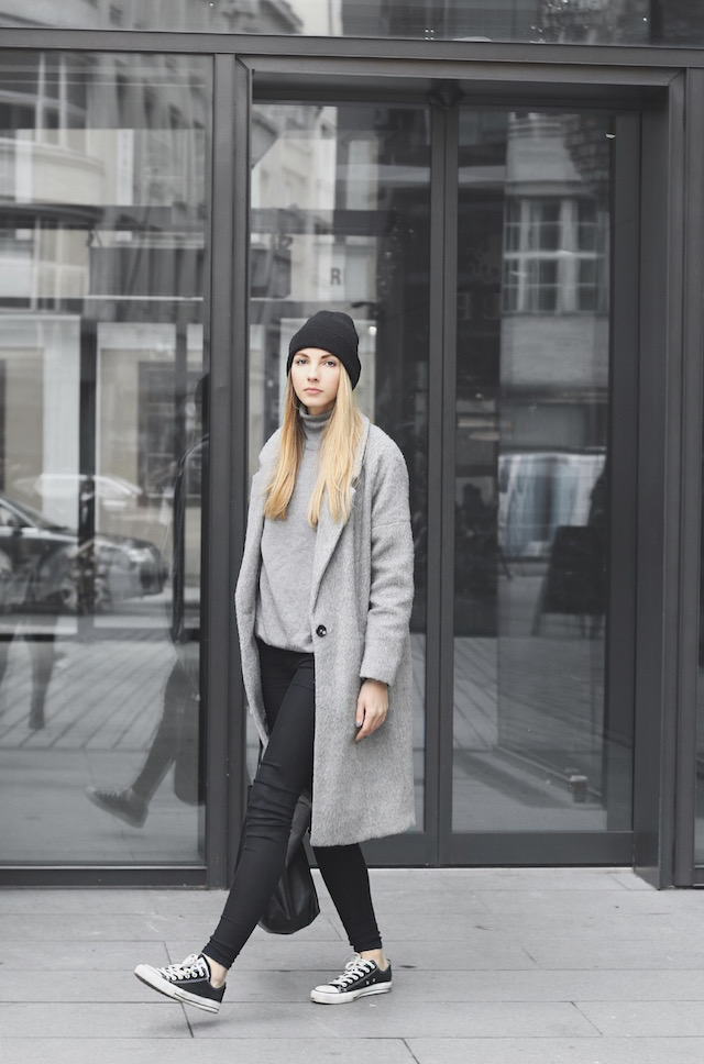 8db350c3284 Classic black converse look their best when worn with darker colours.  Pavlína Jágrová wears the