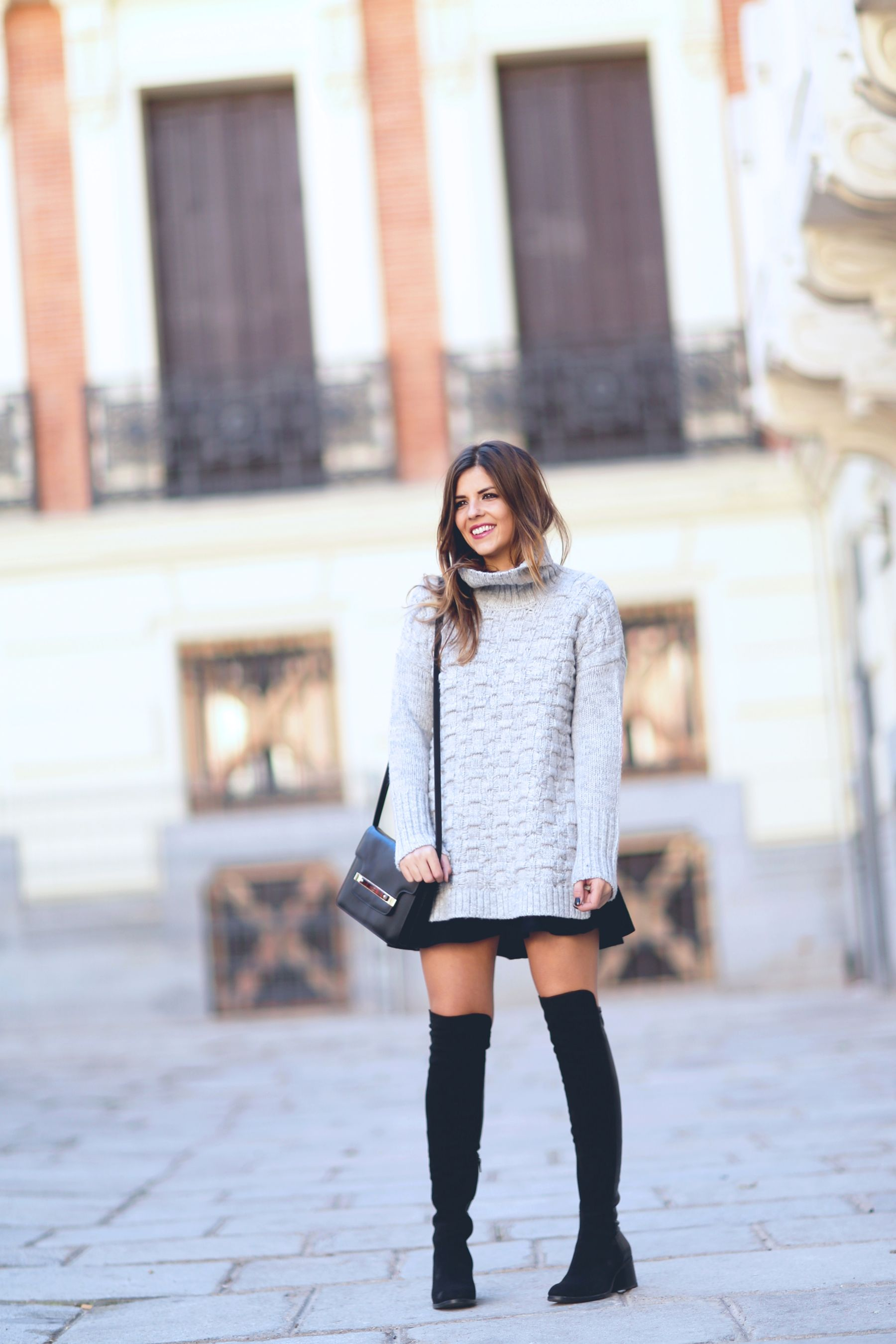 Αποτέλεσμα εικόνας για oversized turtleneck sweater with over-the-knee boots