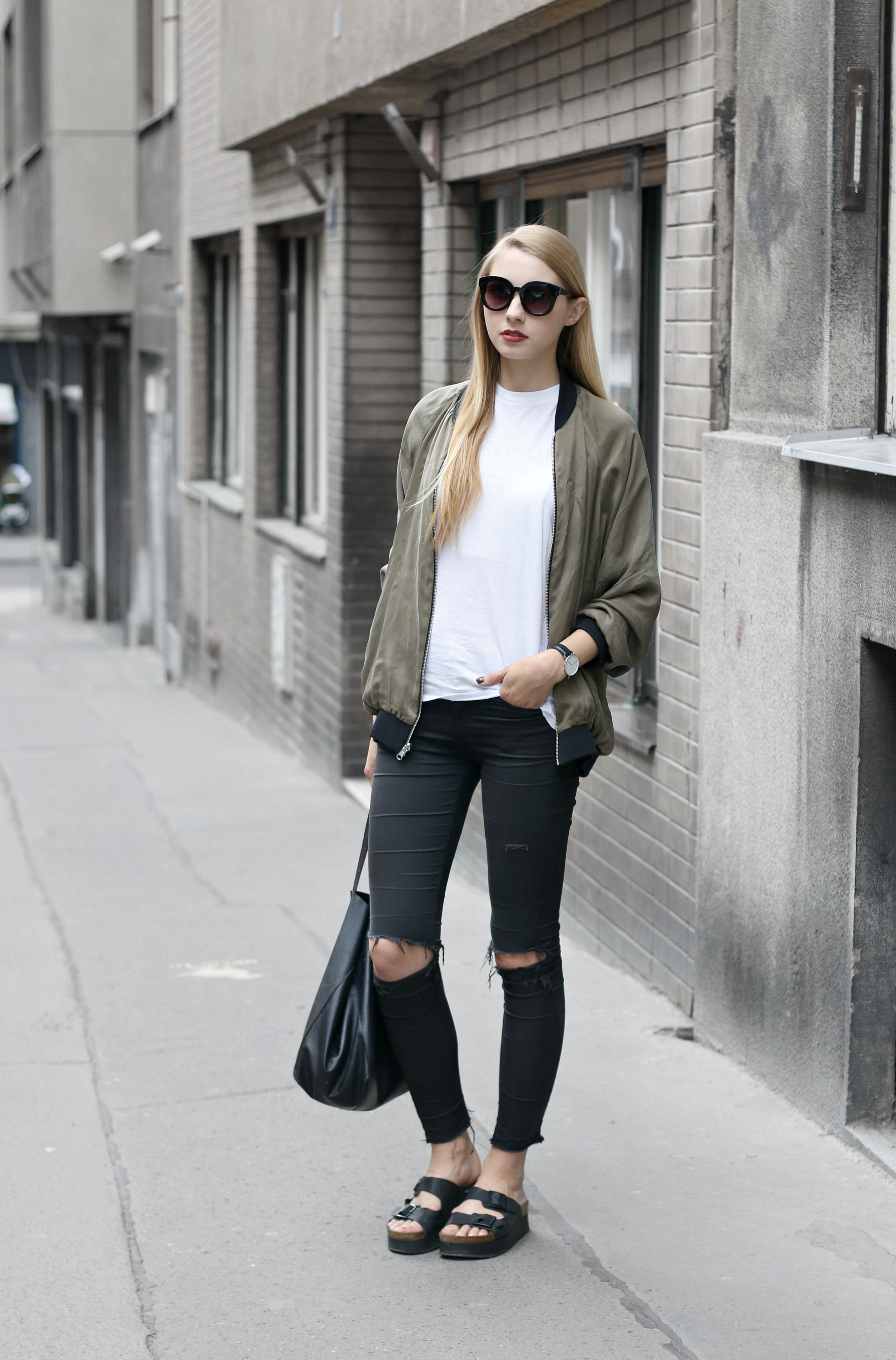 How To Wear Bomber Jacket iQCTc0
