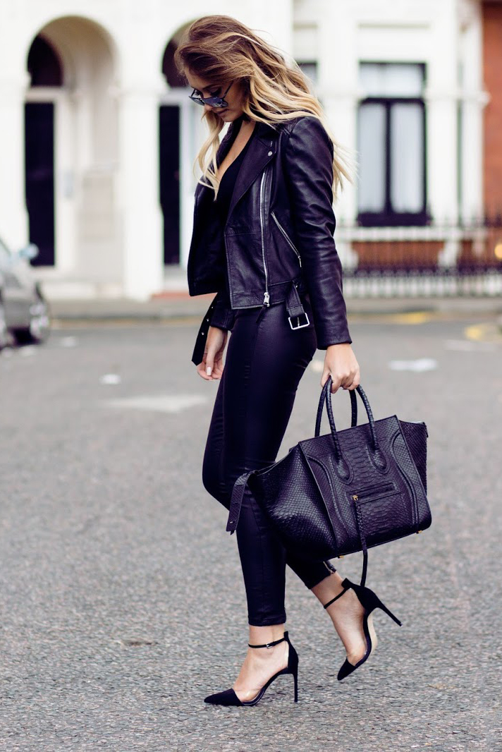 There is no sexier style than an all-leather outfit! Sarah Ashcroft is looking sexy and fierce in these tight leather leggings, worn with a matching jacket and simplistic black heels. You can even throw in a leather bag as the cherry on the top! Top/Trousers: Missguided, Jacket/Shoes: Zara, Bag: Celine.
