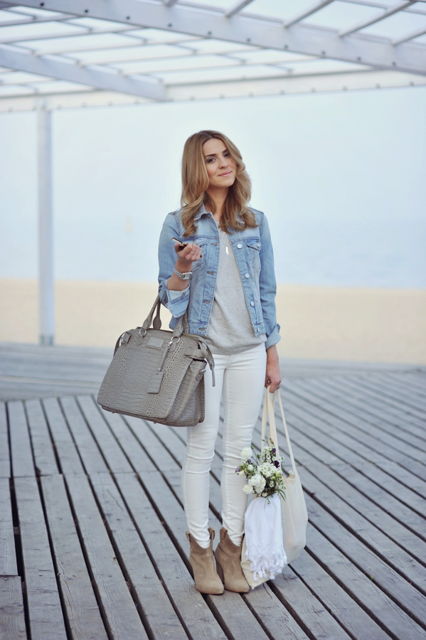 Style Tips On What To Wear With White Jeans - The White ...