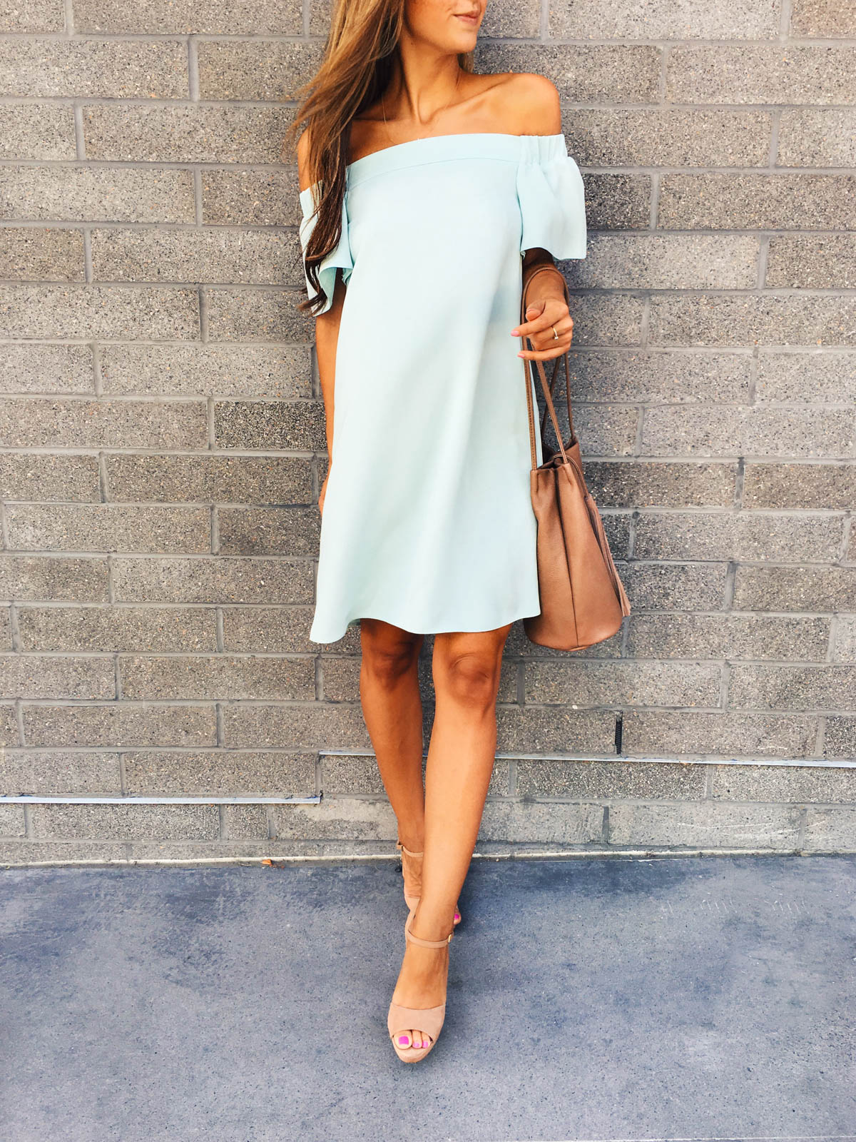 This outfit just oozes summer! The off-the-shoulder dress is the perfect way to show some skin, especially with its vibrant and flattering blue colour. Dress/Shoes: Nordstrom