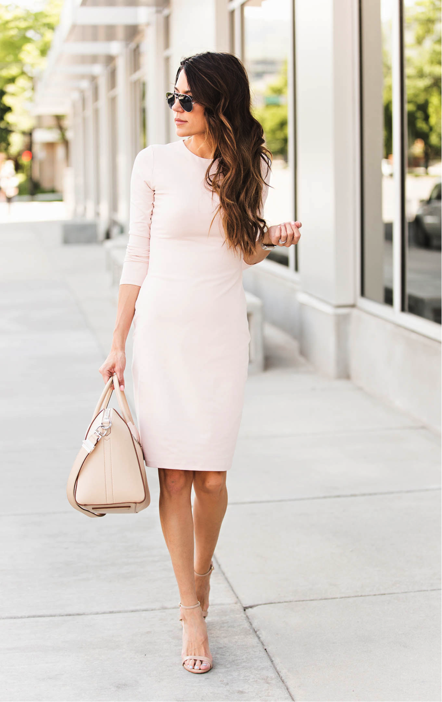 Pastel colours are summer staples. Christine Andrew certainly embodies this trend in this coordinated, pink outfit. The versatility of the dress makes it an essential item for your seasonal wardrobe. We love this look. Dress: Shopbop, Shoes: Neiman Marcus, Bag: farfetch