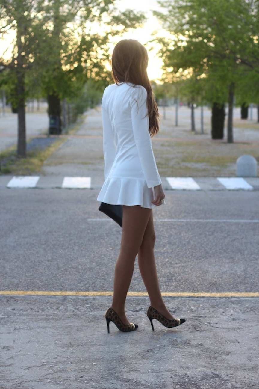 María Alejandra Gallart Val demonstrates that sometimes the simpler outfits are the most effective; this white dress is super girly and oh-so-cute! Style it with some dynamic animal print heels to spruce up the look. Dress: Lady Framboise Shop, Heels: Xti