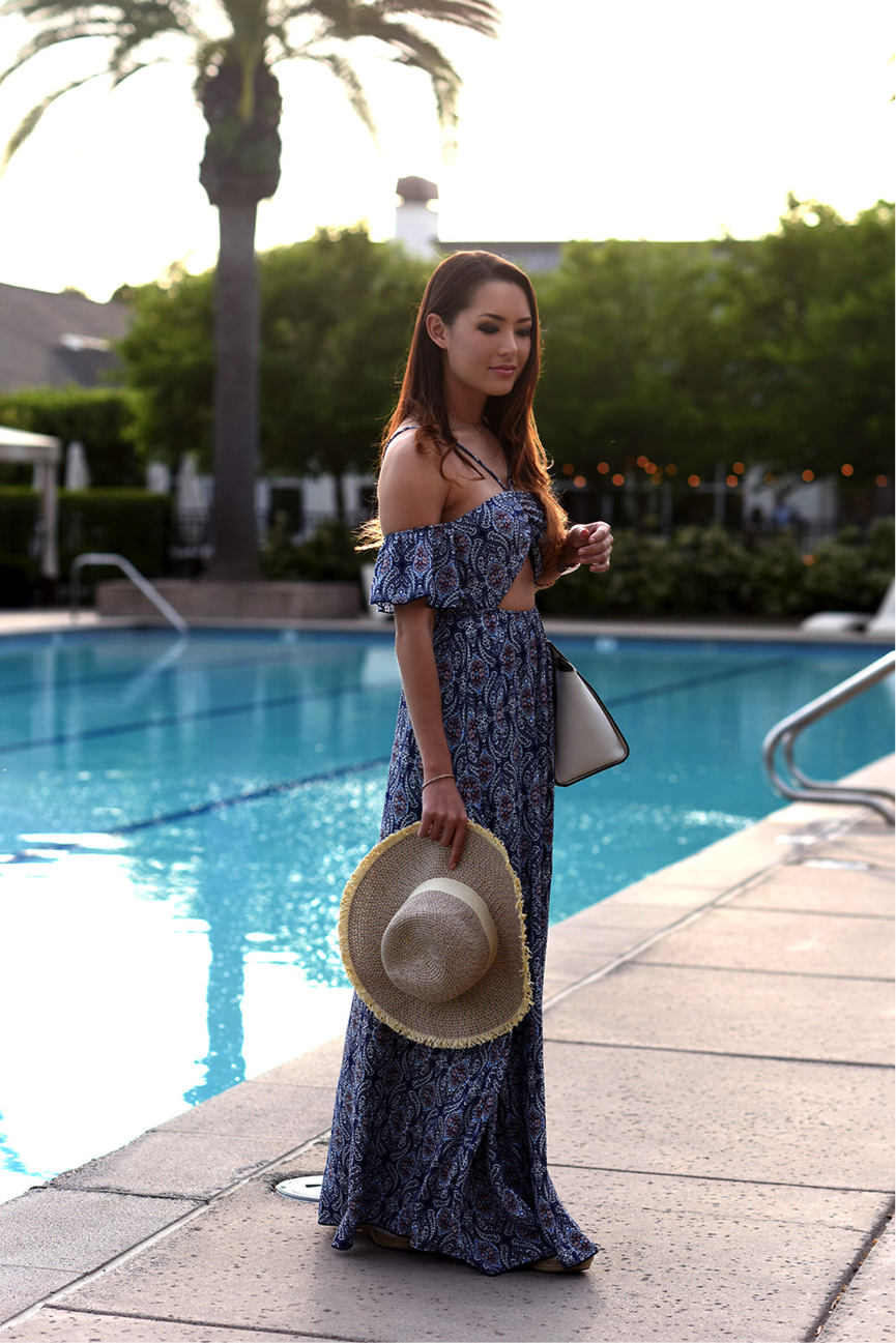 This lovely patterned maxi-dress is great for the summer months; the lightweight material is the ultimate heat-buster. This is hugely versatile, and we love how Jessica R. has teamed it with an awesome straw hat. Dress: Charlotte Russe, Hat: American Eagle