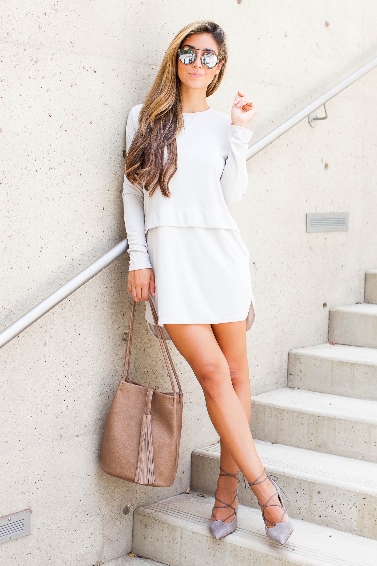 Make your mark at a summer occasion in this lovely summer outfit. Jessi has opted for a sophisticated look in this look sleeved dress, with gorgeous grey heels. Dress: Nordstrom, Shoes: Sole Society