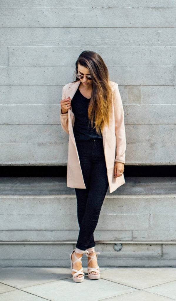 Jessica accents her simple black ensemble with pops of pink. Her pastel coat is a great way to add some subtle color this fall. Ballerina footwear has been seen across runways for fall 2016. Invest in a heeled and flat pair so you can mix and match. Sunglasses: Primark, Blazer: Misguided, Tee-shirt: ASOS, Jeans: ASOS, Heels: Public Desire