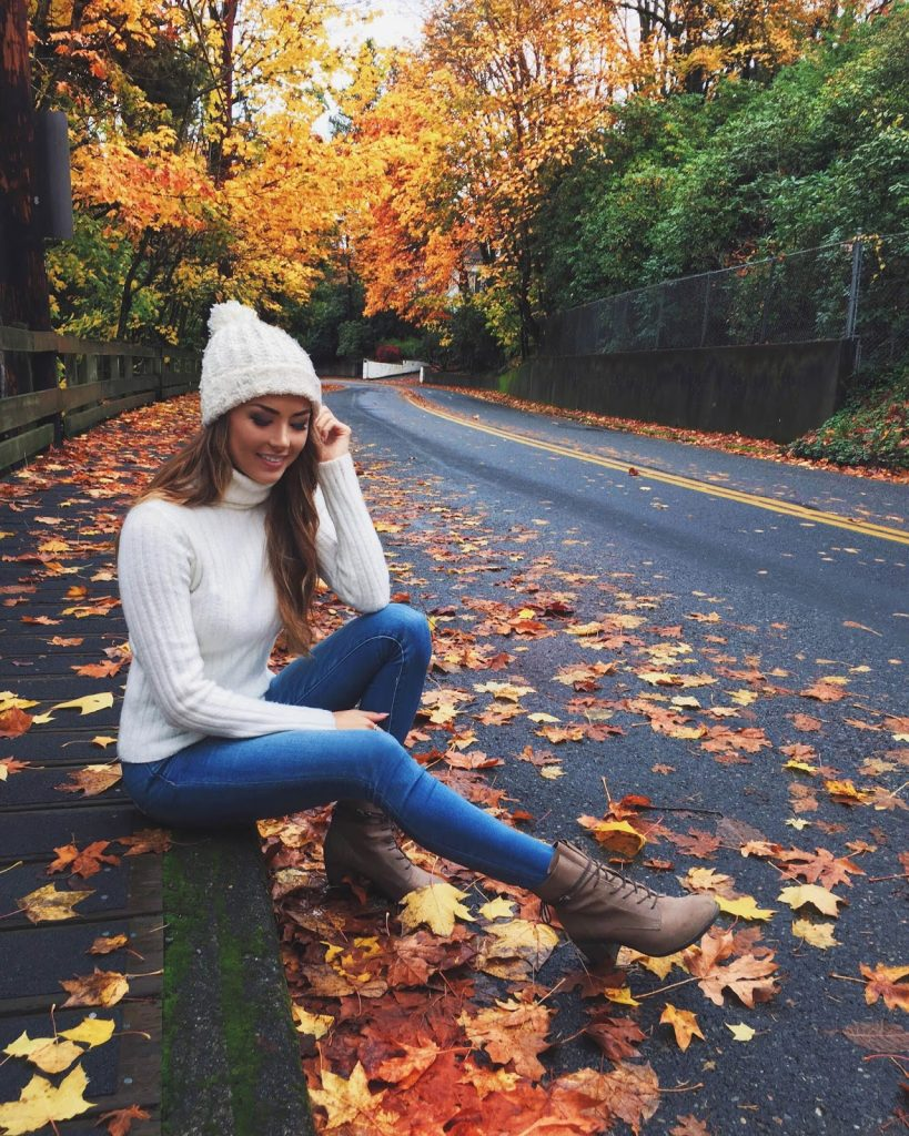 There is nothing cosier than a fluffy beanie! Jessica R. matches this adorable knitted piece with a white sweater and jeans to create the perfect fall style! Turtleneck: F21, Beanie: Witlee, Boots: Steve Madden.