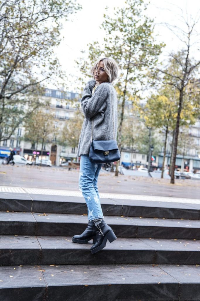 A knitted sweater will always look effortlessly stylish paired with denim jeans and chunky boots. This is a look which is simple, achievable, and authentic, and will always give you a cool fall style! Via Camille Callen. Jumper: & Other Stories, Jeans/Shoes: Mango, Jacket: H&M.