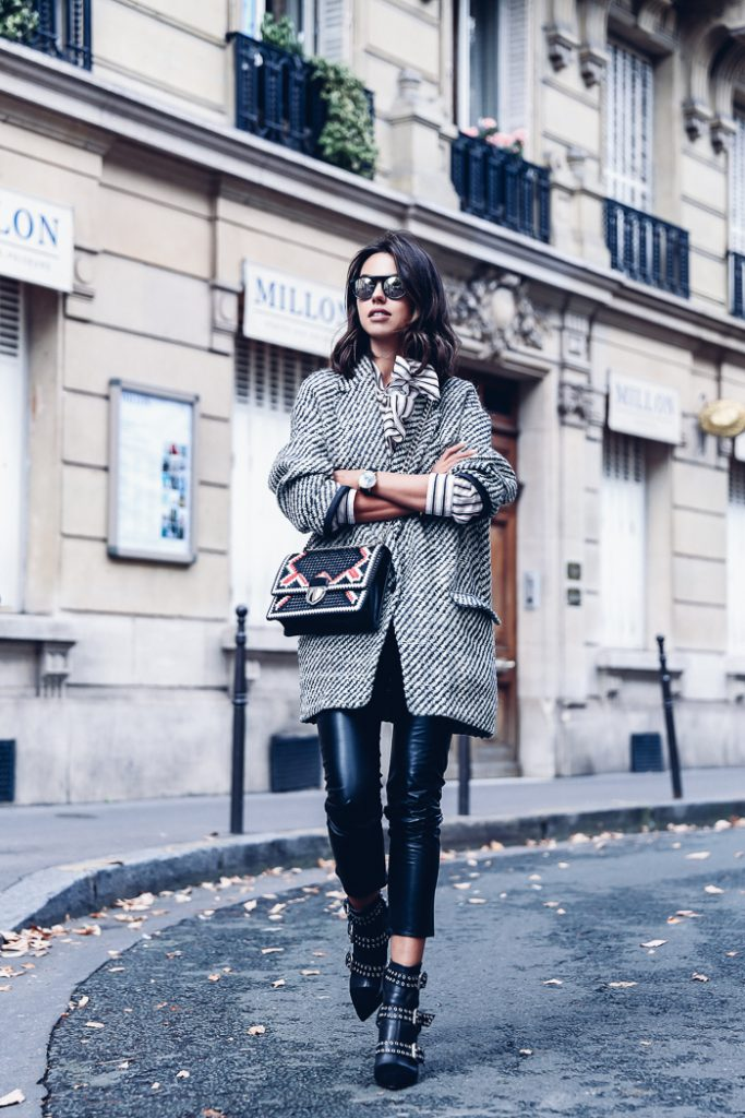 Leather trousers are absolutely always a winner! Wear a pair with studded boots to create an edgy and alternative style like Annabelle Fleur. We love the authenticity of this casual winter look. Coat/Trousers: Isabel Marant, Top: Mista, Boots: Lysett.