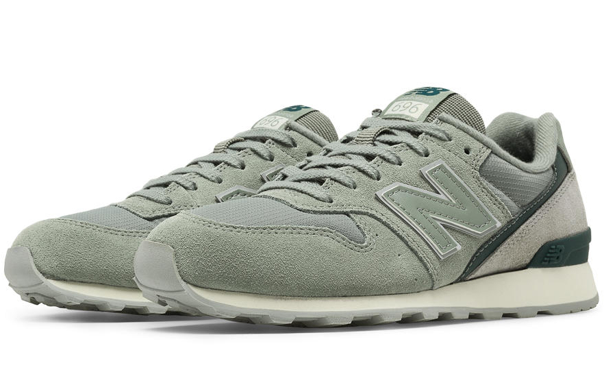 New Balance Sneakers, 696