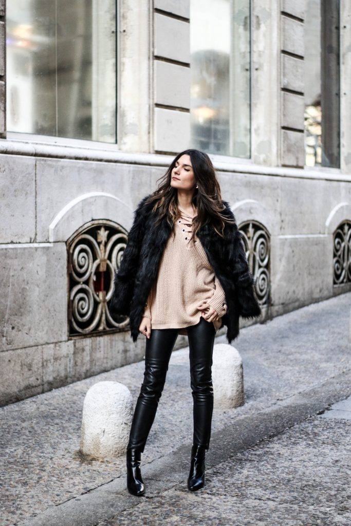 Federica L. stuns us in this utterly captivating faux fur coat, worn with a cute knit top and leather leggings for a simplistic but glamorous winter style. We love the striking nature of this coat; an absolute must-have this season. Outfit: Chicwish.