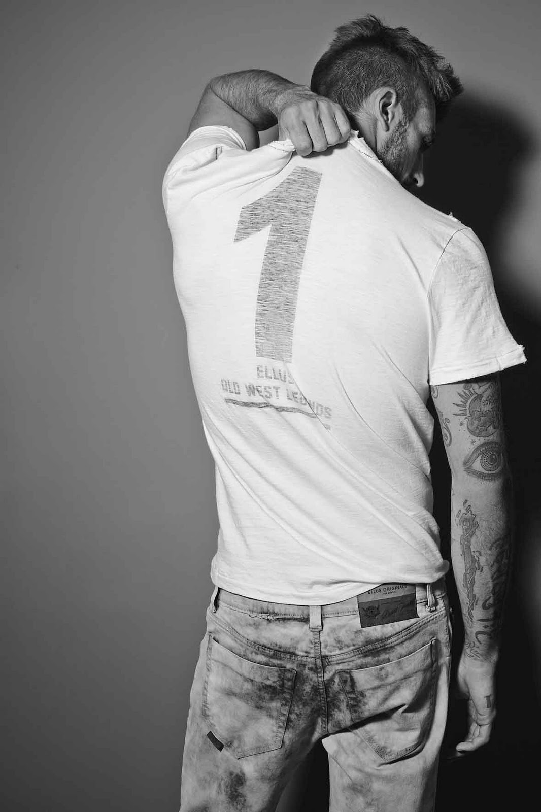 T-Shirt, Ellus Fall/Winter 2011 Worn By Rafael Lazzini