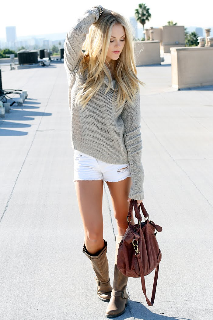 Loose Fitting Sweater Right Length Shorts