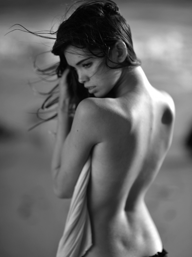 Giza Lagarce Back Dimples Photography