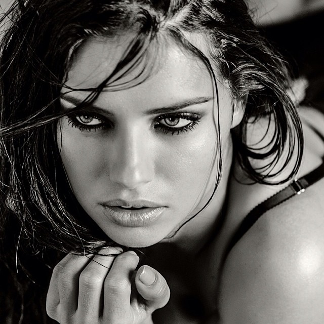 Adriana Lima Black & White