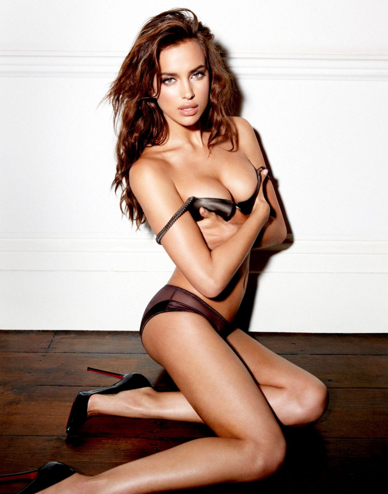 Russian model Irina Shayk Shot by photographer Yu Tsai For Esquire Magazine February 2012