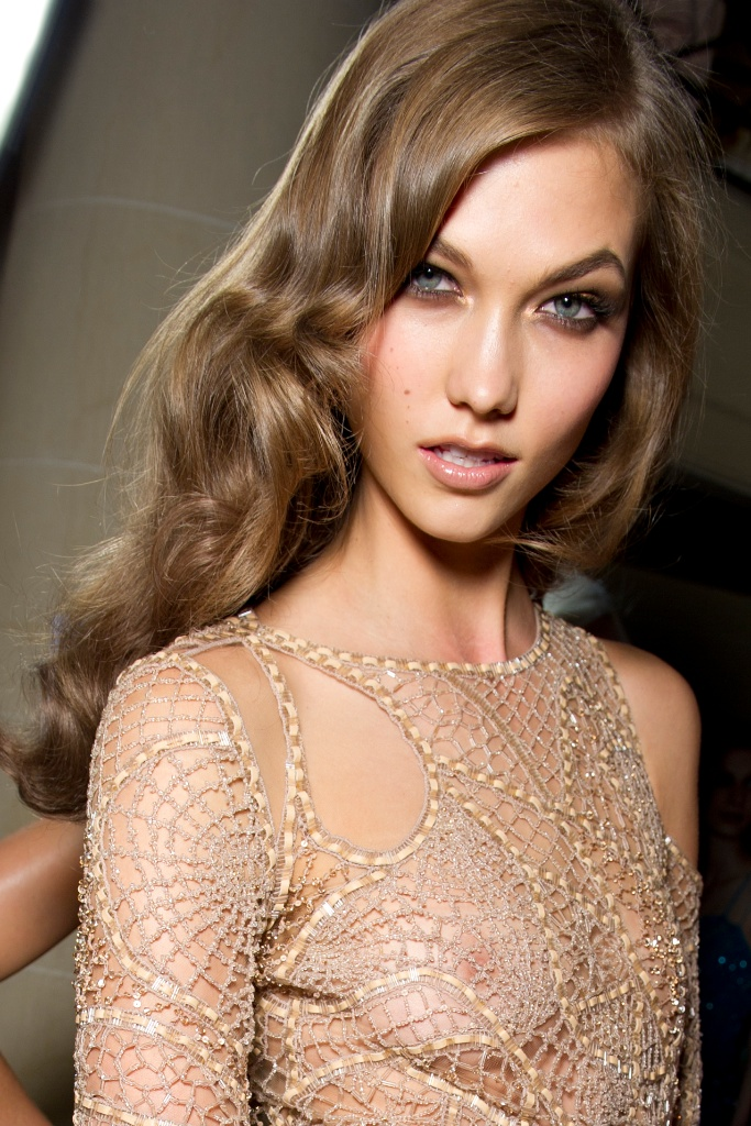 Karlie Kloss At Just The Design
