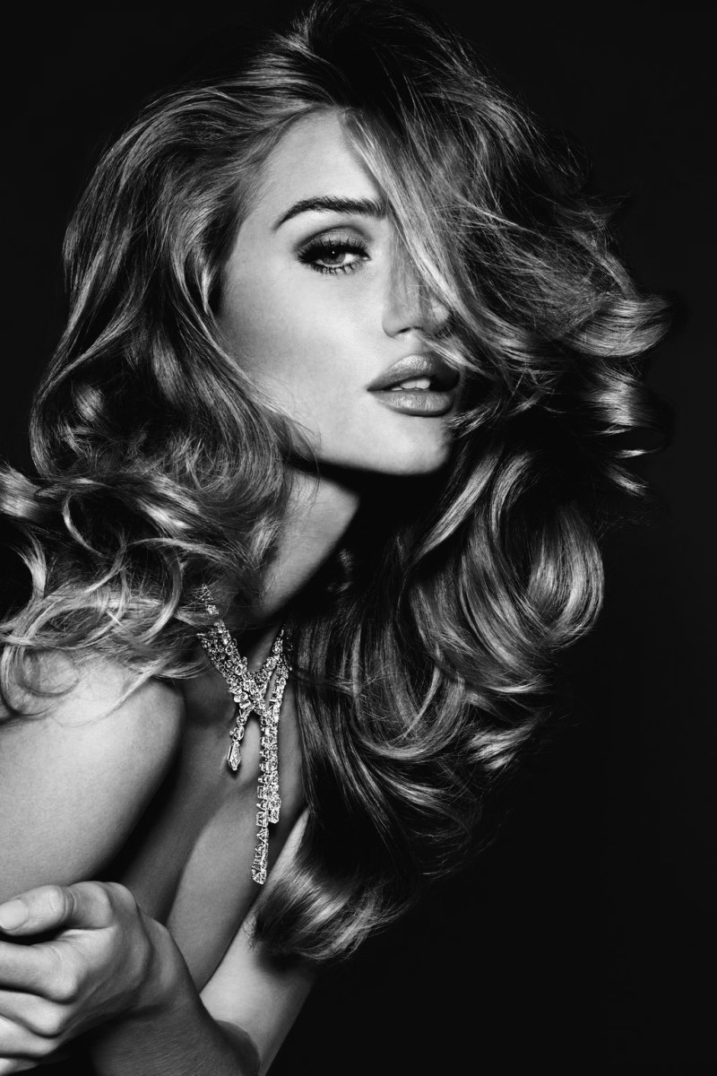 Beautiful Rosie Huntington-Whiteley Photography By Alexi Lubomirski for Vogue Germany November 2011