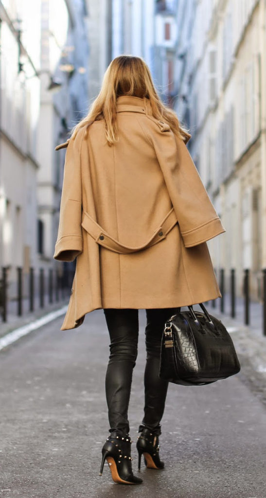 Camel Coat Trend 2015: Caroline Louis is wearing a camel coat from Zara