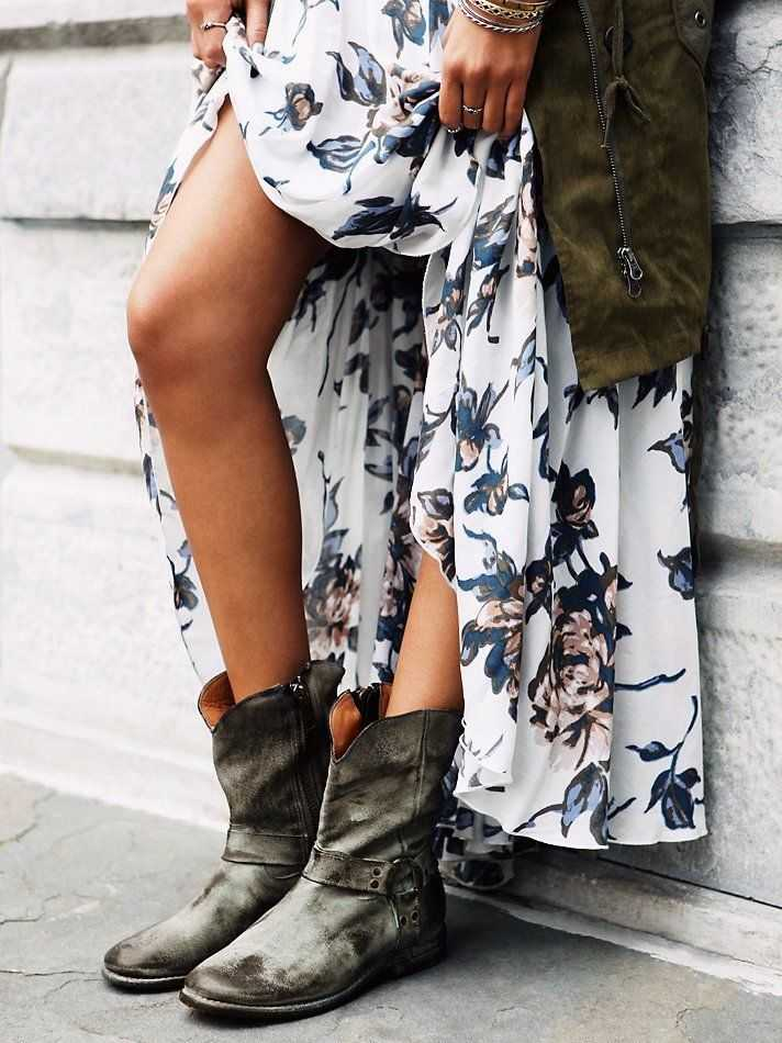 Floral Print Dress And Bed|Stü Boots
