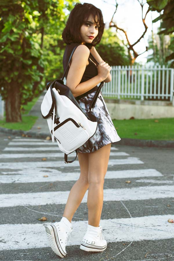 Instinto De Vestir Wearing Monochrome Skirt, Bag And Sneakers From PersunMall, Top From Sugarlips