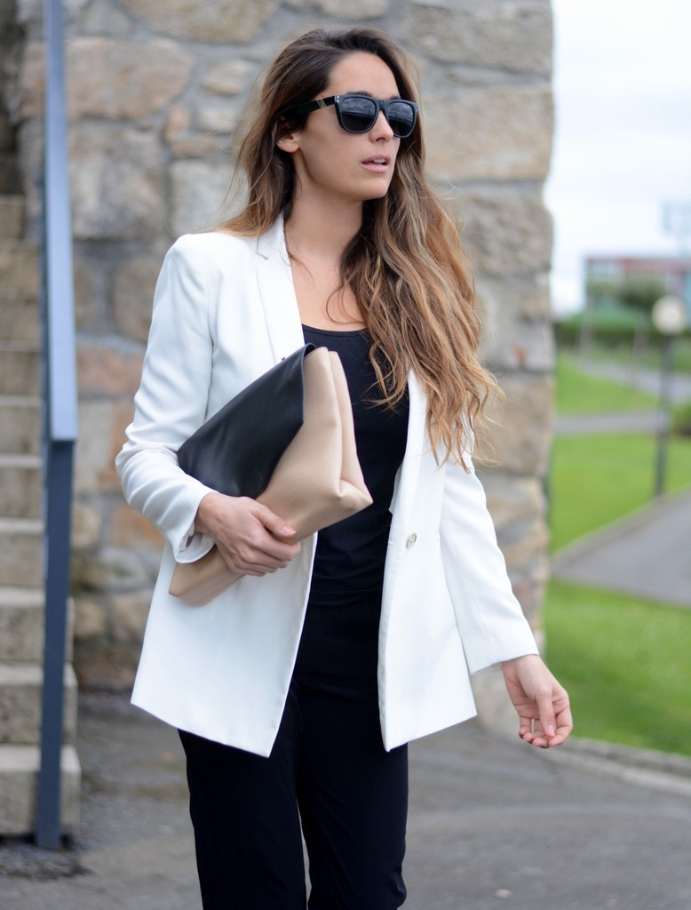 Fashion Blogger Stella Wants To Die Wearing White Blazer From Mango, Trousers From Bershka